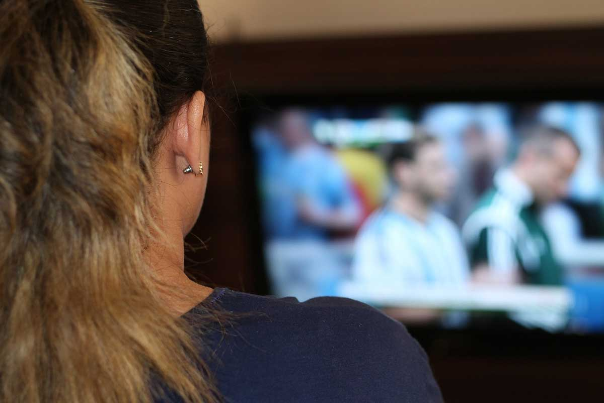 learn English by watching television